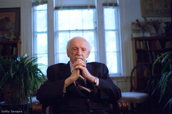 Edward Bernays 1993-ban, 102 éves korában