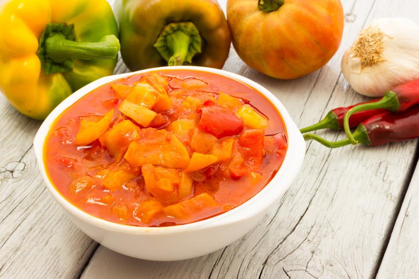 Az olasz lecsó többféle paprikából készül: a peperonata isteni finom
