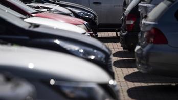 Májusban még nem büntetik meg azt, aki fizetés nélkül parkol