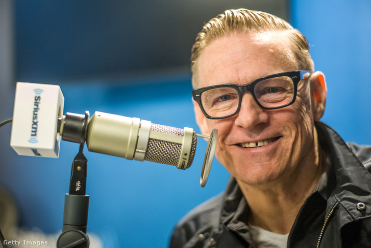 Bryan Adams a SirisXM rádió stúdiójában 2019 május elsején.