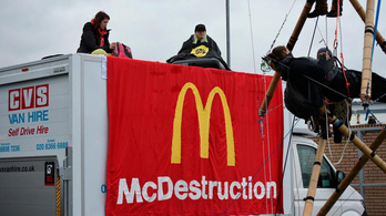 Nem lesz hambi? Aktivisták vonták blokád alá a McDonald's elosztóközpontjait
