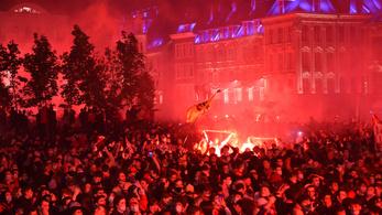 El akartak gázolni egy rendőrt a bajnoki címet ünneplő francia drukkerek