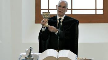 Püspökké szentelték Balog Zoltánt