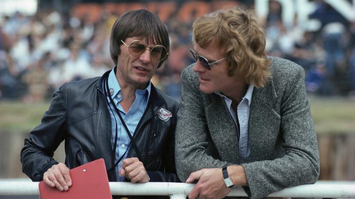 Mosley (jobbra) és Bernie Ecclestone, az autósport két nagyura valamikor a 70-es években