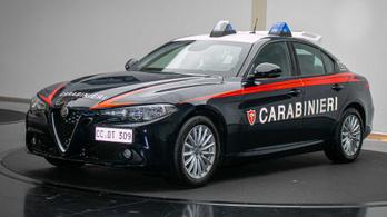 Tengernyi 200 lovas Giuliát kap az olasz csendőrség