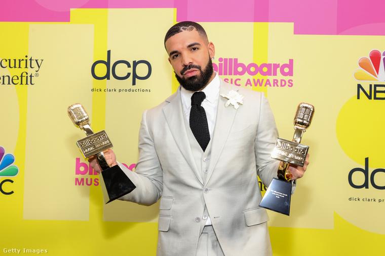 Drake szintén kapott két díjat, köztük az évtized előadójának járót is
