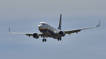 Mit tehet egy pilóta, ha bombafenyegetés miatt riasztják a levegőben?