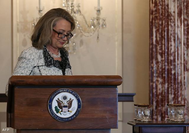 Clinton nyilvános beszédével búcsúzott