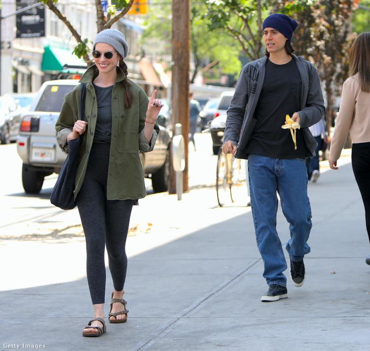 Anne Hathaway és Jared Leto együtt forgatnak egy sorozatot New Yorkban, az a címe, hogy WeCrashed.