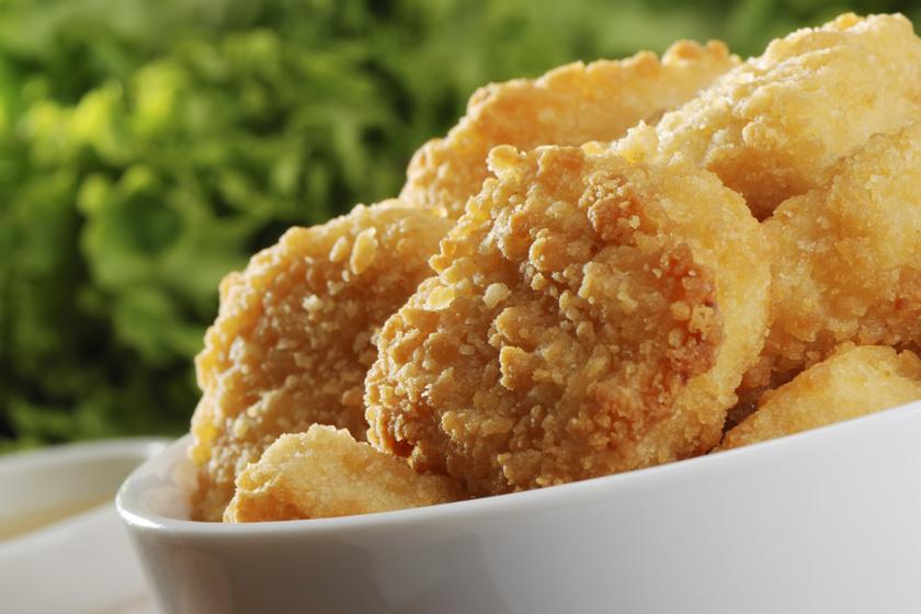 Házi készítésű csirkenuggets ropogós bundában: ízfokozók nélkül készül