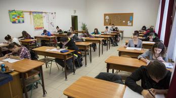 Kompetenciamérés az iskolákban, elmaradtunk az OECD-átlagtól