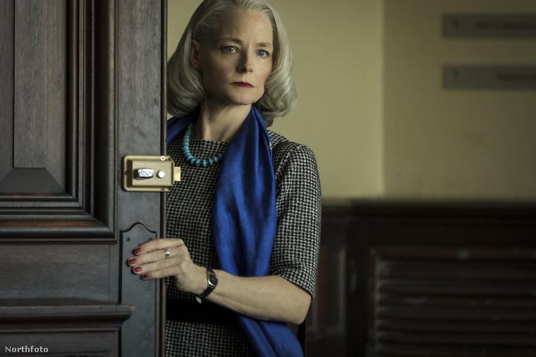 A Mauritanianben alakított szerepéért, Nancy Hollander ügyvéd megformálásáért díjazták.