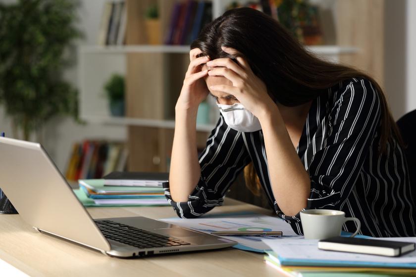 covid fáradtság maszk laptop
