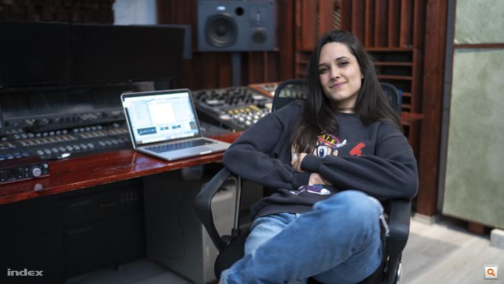 Saya Noé a stúdióban