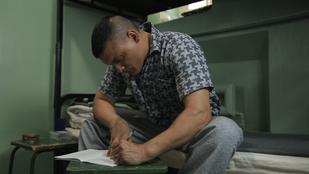 Apukám börtönben van, de írt egy mesét, amiben bármikor találkozhatunk