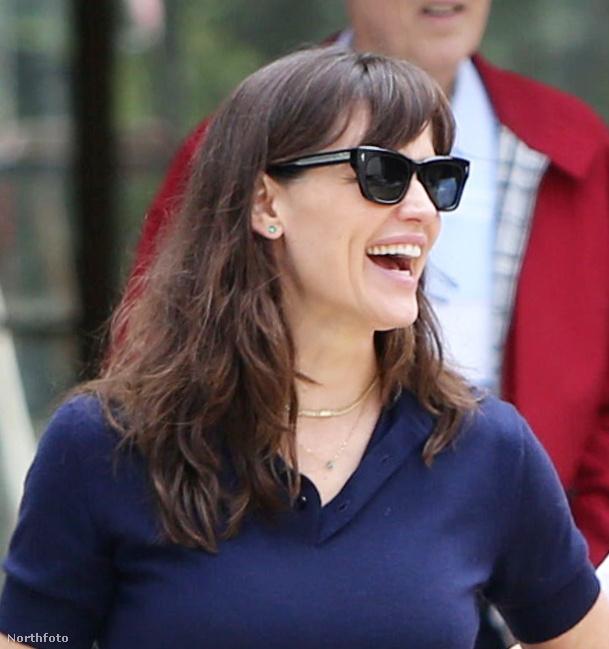 A színésznő annak idején 7,9 millió dollárért vette a házat, ez körülbelül 2,26 milliárd forintnak felel meg