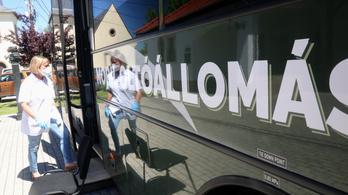 Eddig 24 ezer ember kapott vakcinát az oltóbuszokon