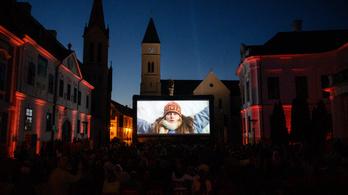 Romantikus magyar vígjáték premierjével nyit a veszprémi filmfesztivál