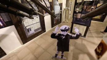 Holokausztkiállítás az Arab-félszigeten