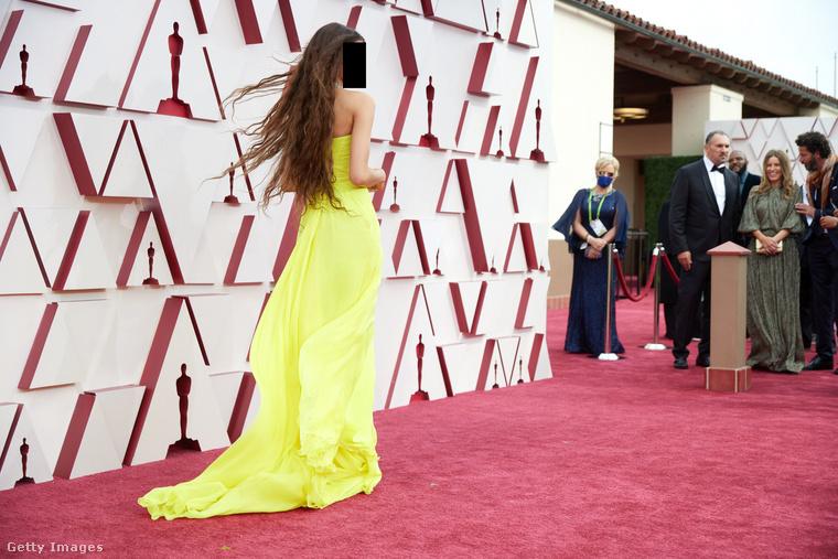 Valaki más pedig az Oscar-díjátadón lobogtatta a haját.