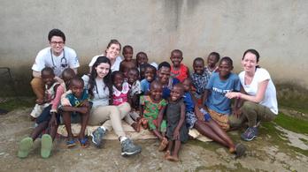 Mini orvosi laboratóriumot állított fel egy magyar csapat Afrikában