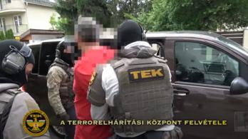 Videó: Elvitte a TEK Tasnádi Pétert, önbíráskodással gyanúsítják a volt maffiavezért