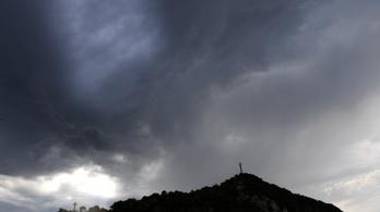Jön az égi áldás, jégesőre és viharos szélre is kiadták a figyelmeztetést