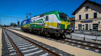 Hétfőtől újra lehet vonattal menni a Balaton északi partjára