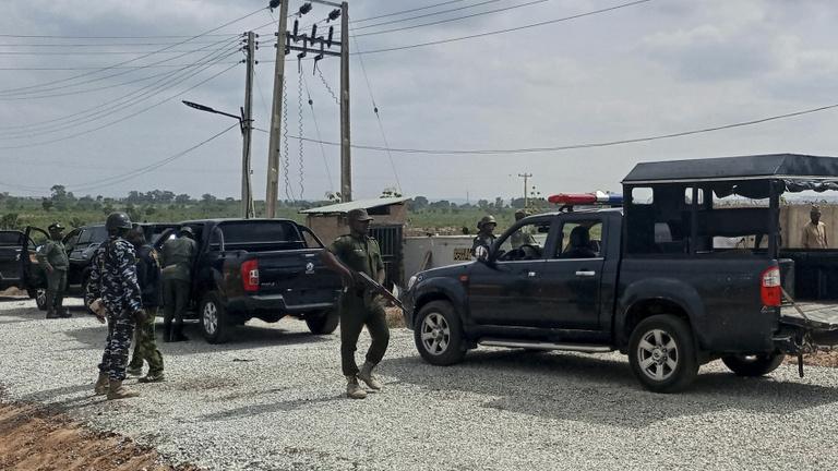 Ezúttal tizennégy túszt engedtek szabadon a nigériai emberrablók