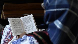 Miért tegeződnek az imák?