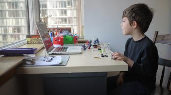 Továbbra is viszonylag veszélyes aknamező a magyar internet