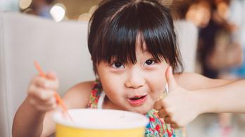 Lazítottak a kínaiak, már három gyereket is vállalhatnak a párok