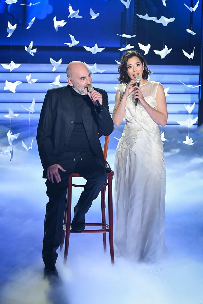 Kulka János Gryllus Dorka oldalán énekelt, amire a színész agyvérzése óta nem volt példa