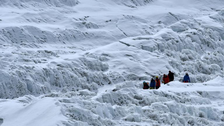 Lavina söpörte el a magyar Everest-expedíciót