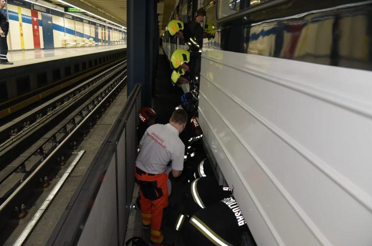 metrógázolás.PNG
