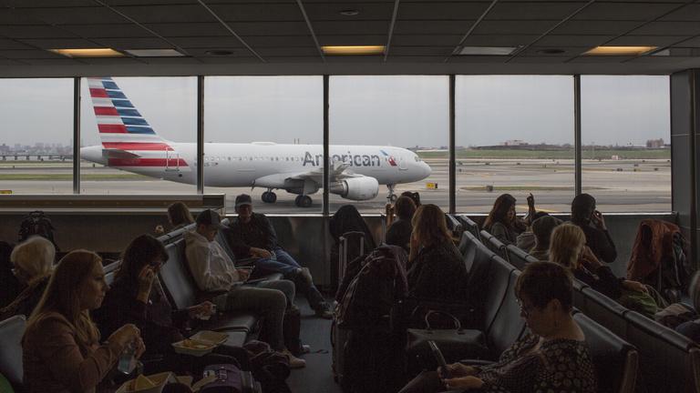 Szesztilalmat vezettek be egyes amerikai légi járatokon