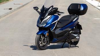 Teszt: Honda Forza 350 - 2021.