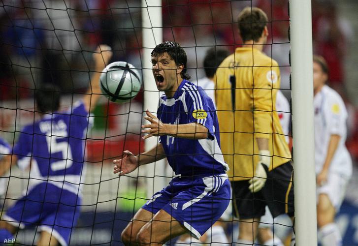 Délasz (5) a mindent eldöntő ezüstgól megszerzése után a csehek elleni 2004-es Eb-elődöntőben