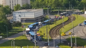 Gigadugók torlaszolják el Budapest északi és keleti felét