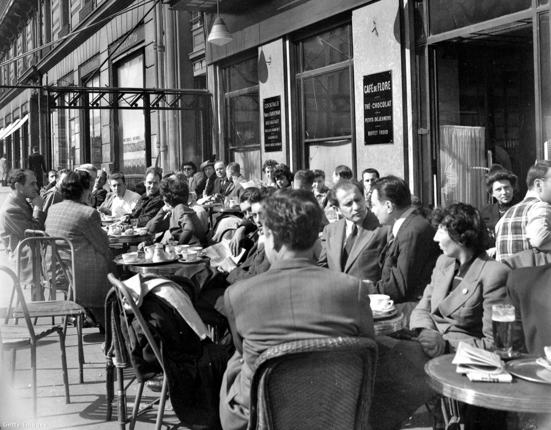 A Flore kávézó terasza 1949-ben