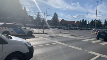 Autó ütközött HÉV-vel, a helyszínelés után újraindult a forgalom