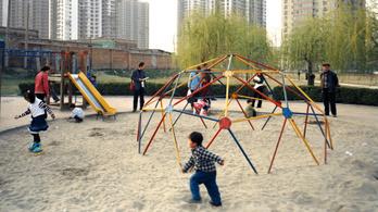 A kínaiakat megijeszti a háromgyermek-politika