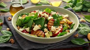 Grillezett barack-rukkola saláta
