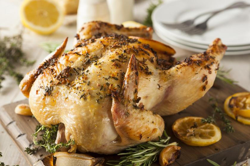 Citromos-fokhagymás csirke egészben sütve: finom omlós és szaftos lesz