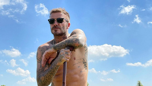 David Beckham felsőteste rákívánt a napsütésre