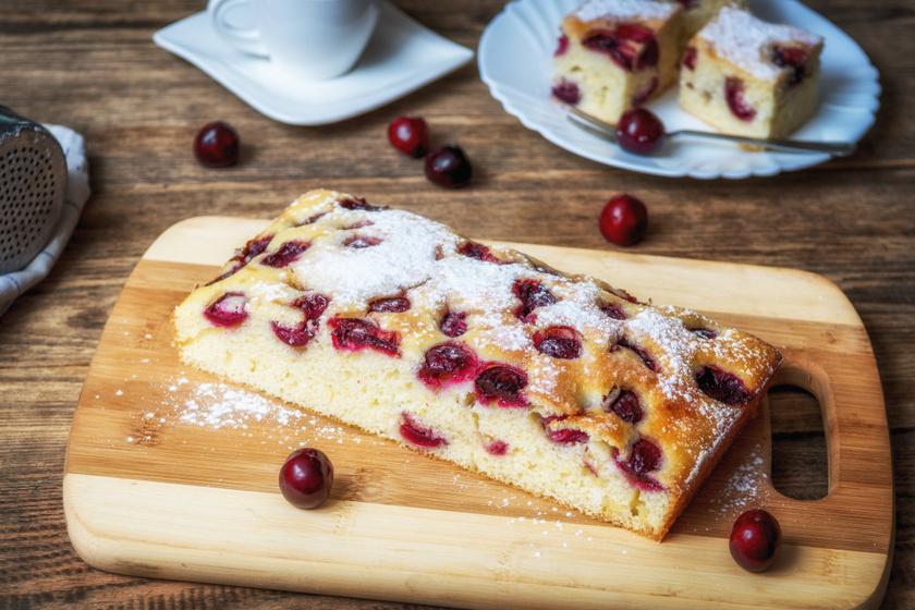 Puha, omlós cseresznyés süti: csak keverd össze a hozzávalókat