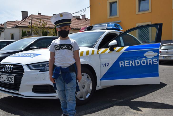 Dávid a 7 éves kisfiú egy napra rendőr lehetett.