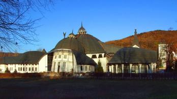 Létrehozták a Makovecz Campust, Gulyás Gergely kapta az alapítói jogokat