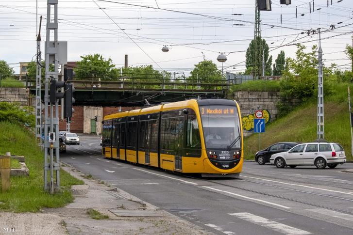 CAF-villamos a 3-as vonalán 2021 május 21-én