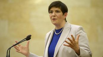 Dobrev Klára: meg fogjuk tiltani, hogy állami vezetők és családtagjaik költségvetési támogatáshoz jussanak